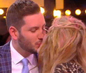 Loana et Maxime Guény s'embrassent en direct dans TPMP !