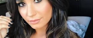 """Demi Lovato se confie en plein concert : """"Il y a 6 ans, je buvais de la vodka à 9h du matin"""""""