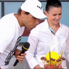 """Roland-Garros 2018 : le public interrompt un match pour chanter """"Joyeux anniversaire"""" à Rafael Nadal"""