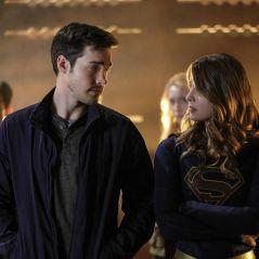 Melissa Benoist et Chris Wood en couple : les stars de Supergirl officialisent sur le red carpet 😍