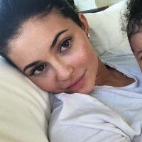 """Kylie Jenner cache Stormi sur Instagram : vous ne verrez plus le visage du baby """"pour le moment"""""""