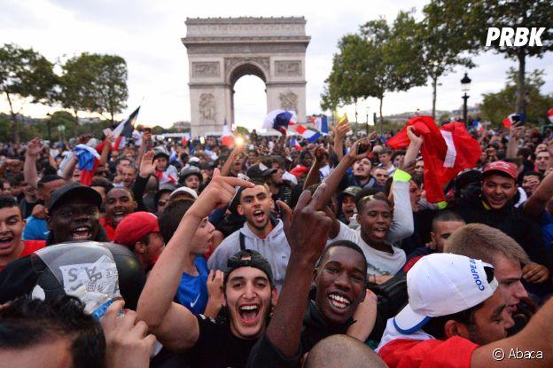 Les Français en liesse sur les Champs Elysées après la victoire des Bleus lors de la demi-finale France/Belgique le 10 juillet 2018