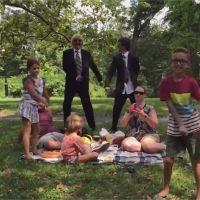 Justin Bieber déguisé : il s'éclate incognito à Central Park avec Jimmy Fallon sur What Do You Mean