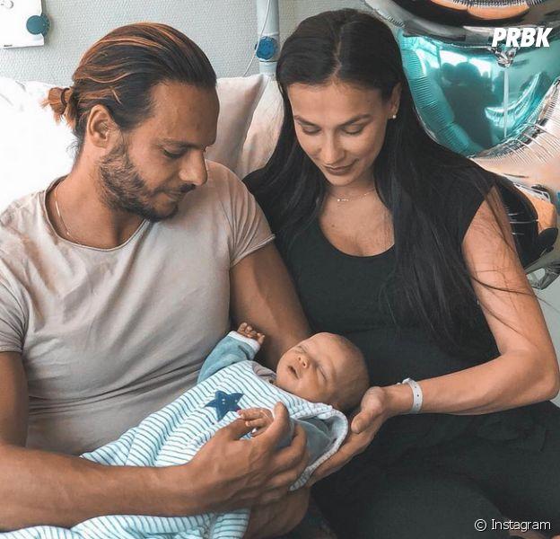 """Julie Ricci maman : elle avoue être """"un peu fatiguée"""" et dévoile des photos de son bébé."""