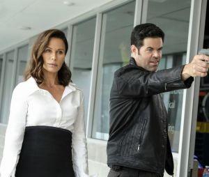 Supergirl saison 4 : Rhona Mitra et Robert Baker intègrent la série