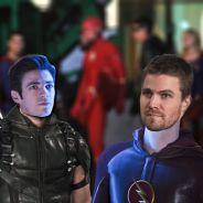 The Flash et Arrow : Barry et Oliver échangent leurs costumes, premières images dévoilées