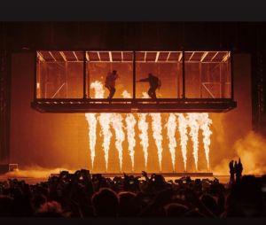 Lorde accuse Kanye West et Kid Cudi de copier sa mise en scène en concert.