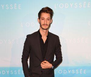 Pierre Niney métamorphosé : l'acteur a pris des muscles pour les besoins de son prochain film