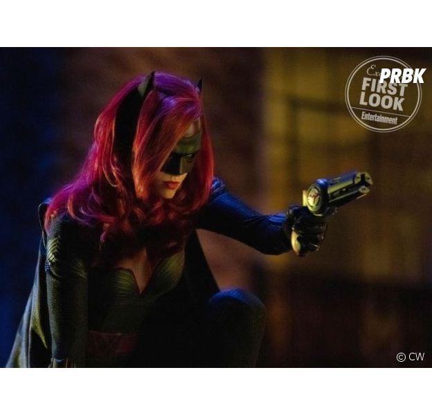 Arrow, Flash, Supergirl : Batman aux côtés de Batwoman dans le crossover ?
