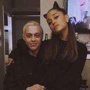 """Ariana Grande vient en aide à son ex Pete Davidson après son message inquiétant : """"je suis ici"""""""