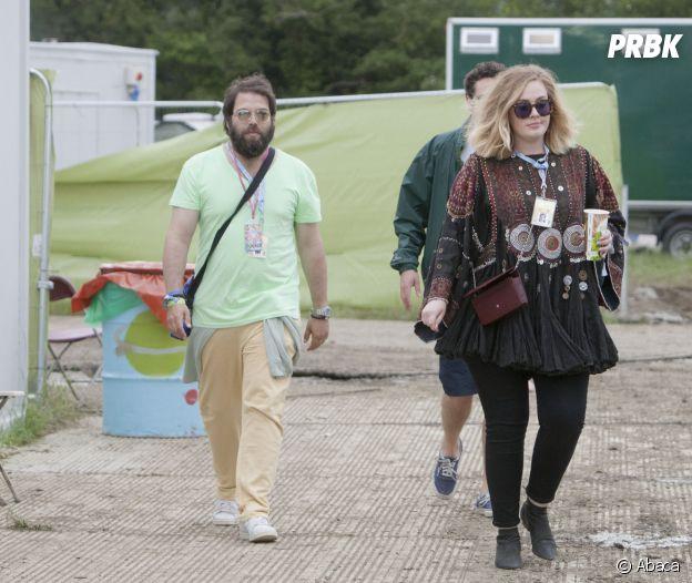 Adele confirme son divorce avec Simon Konecki : elle ferait déjà des dates avec d'autres hommes.