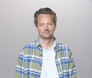 Matthew Perry sur une photo promotionnelle de The Odd Couple