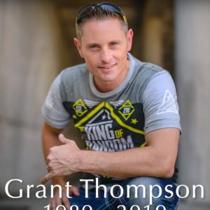 Grant Thompson (King of Random) : la star de Youtube meurt dans un tragique accident de parapente
