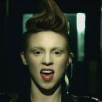 La Roux ... Regardez la version US du clip In For The Kill