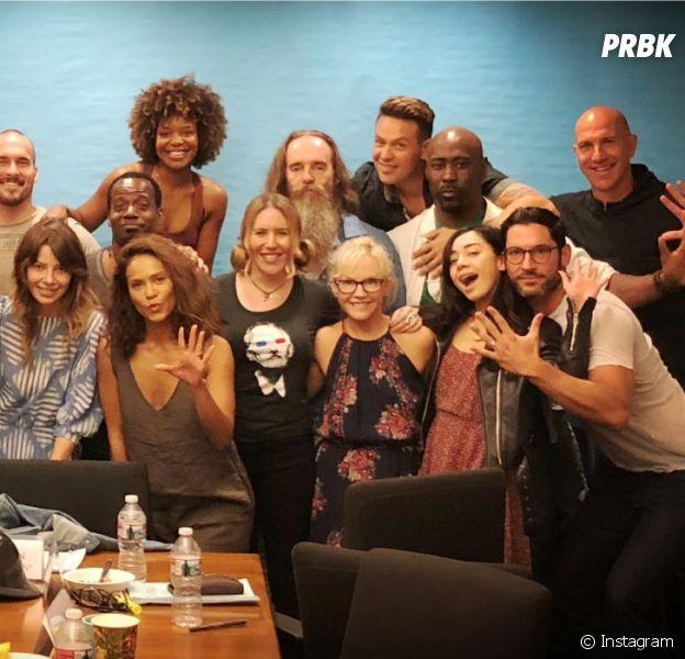 Lucifer saison 5 : Tom Ellis dévoile une photo des retrouvailles des acteurs pour le lancement du tournage