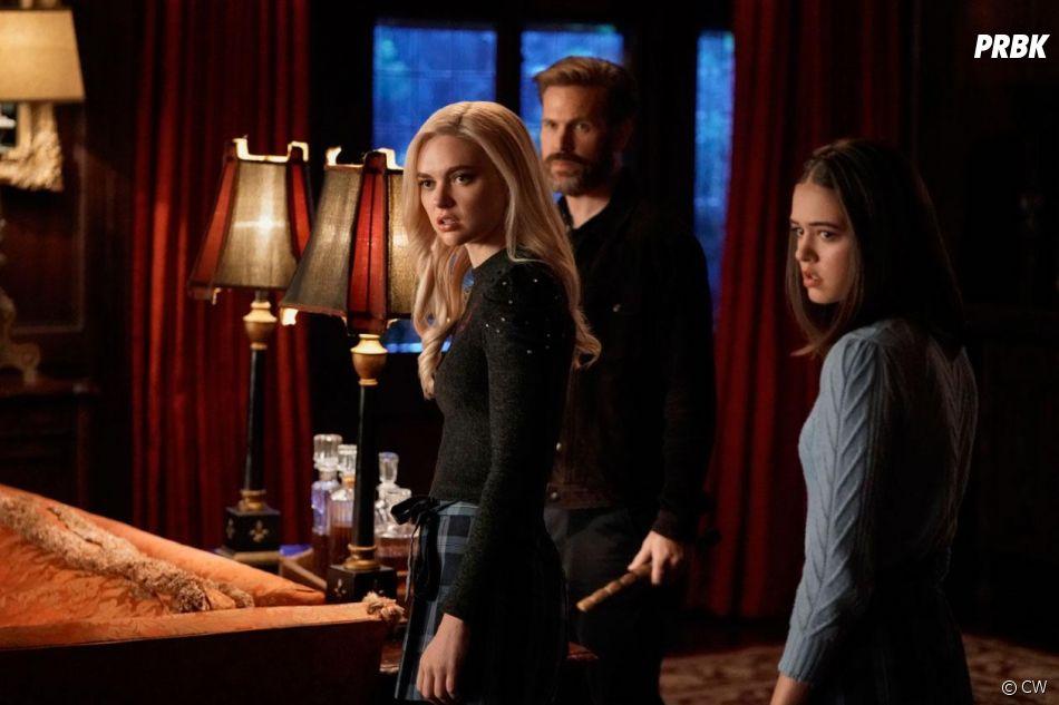 Legacies saison 2, épisode 12 : Alaric, Lizzie et Josie sur une photo