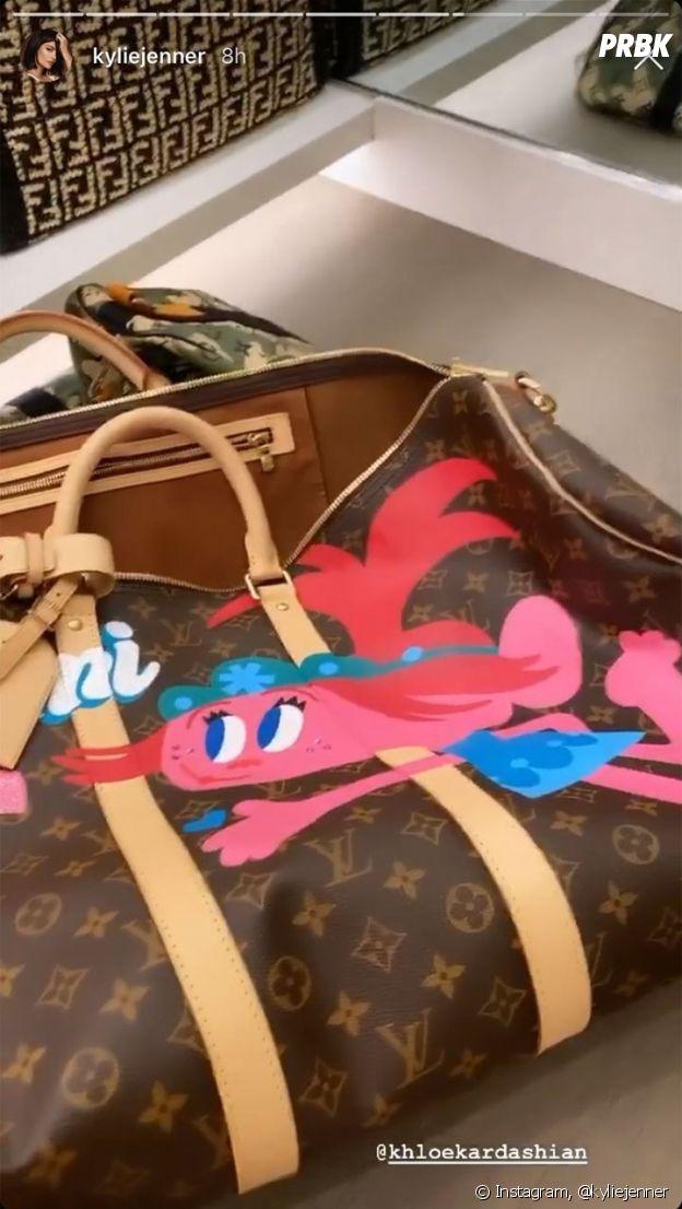 Kylie Jenner dévoile le sac de luxe que Stormi a reçu de la part de sa tata Khloe