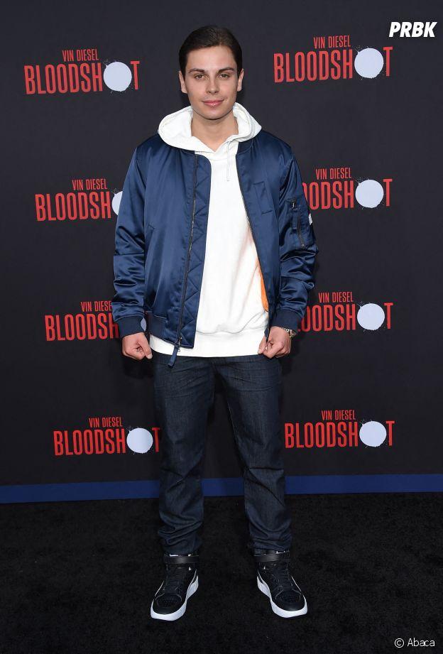 Jake T Austin (Les Sorciers de Waverly Place) a bien changé !