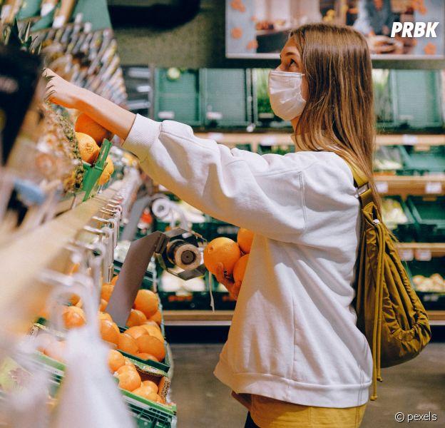 Les masques gratuits pour les plus précaires et les lycéens parisiens