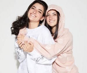 Charli D'Amelio et Dixie D'Amelio dévoilent leurs créations pour Hollister