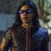 The Flash saison 7 : Cisco prêt à retrouver ses pouvoirs ? Carlos Valdes se confie