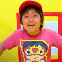 Enfants influenceurs : temps de tournage, revenus, droit à l'oubli... que dit la nouvelle loi ?