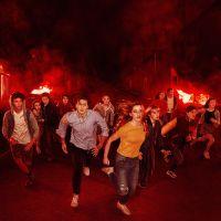 The Society saison 2, Glow saison 4... les séries annulées à cause du coronavirus
