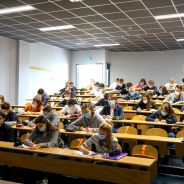 Covid-19 : des tests antigéniques débarquent dans les lycées pour tester les élèves et les profs