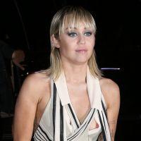 """Hannah Montana : Miley Cyrus avoue avoir eu une """"crise d'identité"""" à cause de la série"""