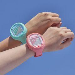 Le Tamagotchi de retour pour ses 25 ans : voici la montre connectée qui réagit à la voix