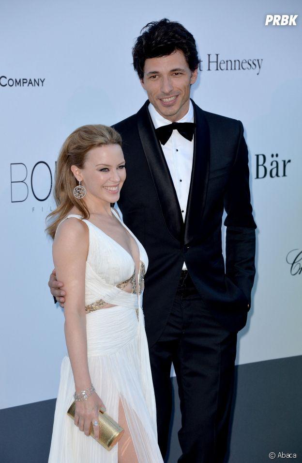 Elite saison 4 : saviez-vous que l'acteur Andrés Velencoso qui joue Armando est l'ex de Kylie Minogue ?