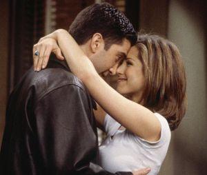 Alors que Ross et Rachel était l'un des couples phares de Friends, Jennifer Aniston a démenti la rumeur de couple avec David Schwimmer dans la vraie vie