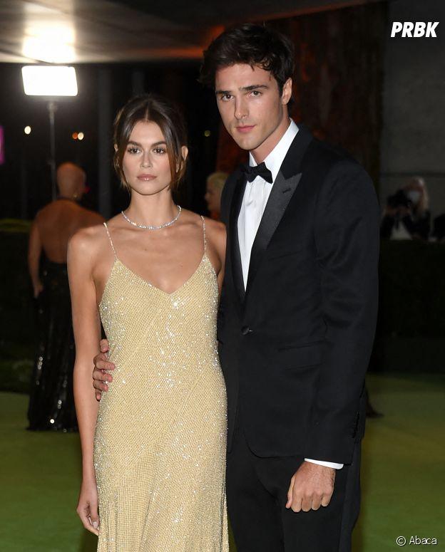 Jacob Elordi et Kaia Gerber sur le red carpet du gala del'Academy Museum of Motion Pictures