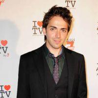 Sébastien Agius (gagnant de X-Factor sur W9) ... écoutez son nouveau tube ''Je marche en moi''