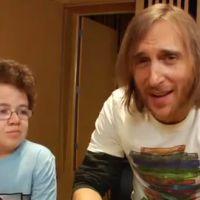 Keenan Cahill et David Guetta ... en grande discussion à propos de Youtube