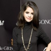 Selena Gomez ... Elle s'éclate avec son groupe avant son concert (video)