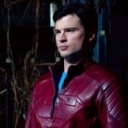 Smallville saison 10 ... Clark enfile la veste de Superman (photos)