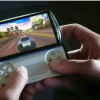 Xperia Play ... Le Playstation Phone par Sony