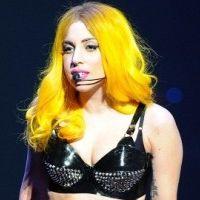 Lady Gaga ... après ''Judas'' un single avec le guitariste de Queen