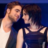 Robert Pattinson et Kristen Stewart ... ils s'embrassent devant les paparazzis (vidéo)