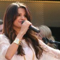 Selena Gomez PHOTOS : En forme sur scène après son hospitalisation, Justin Bieber soulagé
