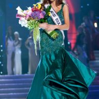 Miss USA 2011 ... Alyssa Campanella a battu une SDF