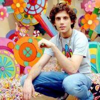 Mika en mode frenchy pour Elle Me Dit, sa nouvelle chanson (AUDIO)