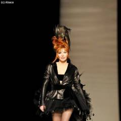 Fashion Week 2011 : Mylène Farmer en mariée pour Jean-Paul Gaultier (PHOTOS)
