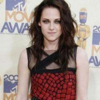 Kristen Stewart victime d'un accident de voiture ... elle garde le sourire