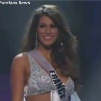 VIDEO - Miss Univers 2011 : Laury Thilleman rayonnante lors des demi finales