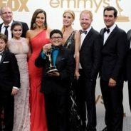 Emmy Awards 2011 : les stars en rouge sur le célèbre tapis (PHOTOS)