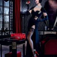 Katy Perry en Blanche Neige sexy et rétro pour GHD (PHOTOS)