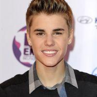 MTV EMA 2011 : Justin Bieber et Selena Gomez, couple gagnant (VIDEOS)