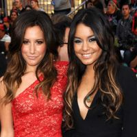 Ashley Tisdale et Vanessa Hudgens : nous souhaitent un joyeux Thanskgiving (VIDEO)